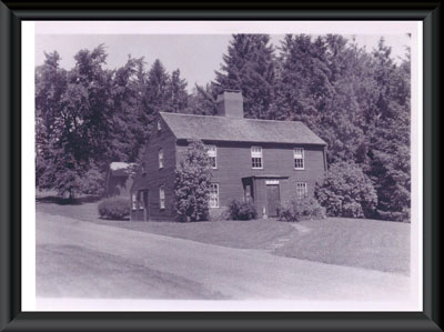 Macy-Colby House with barn pre-1950